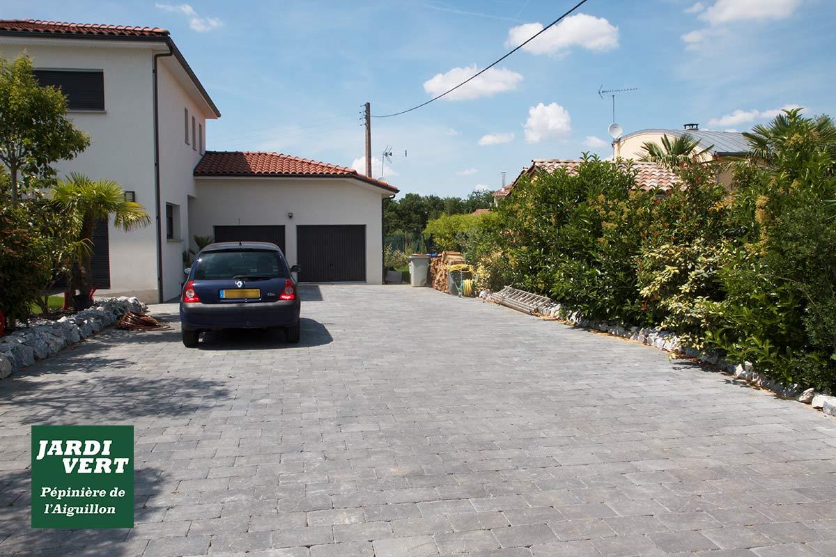 Création d'allees terrasses beton goudron pave gravillon de qualite - Jardi Vert paysagiste à Toulouse