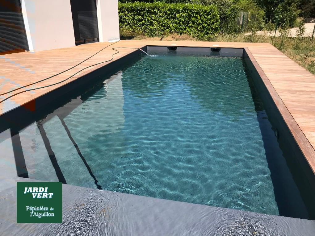 Construction d'une piscine avec terrasse bois à Muret