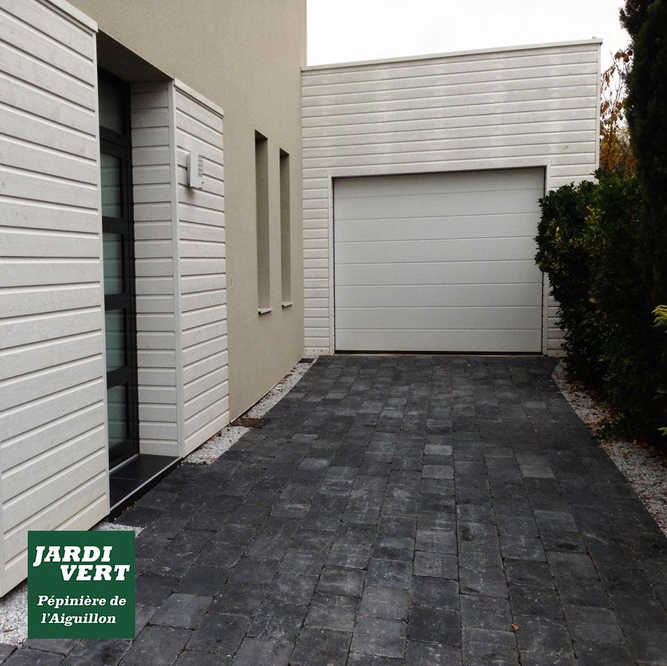 Quel allée de garage choisir ? Jardi Vert, paysagiste à Toulouse vous conseille et réalise vos travaux