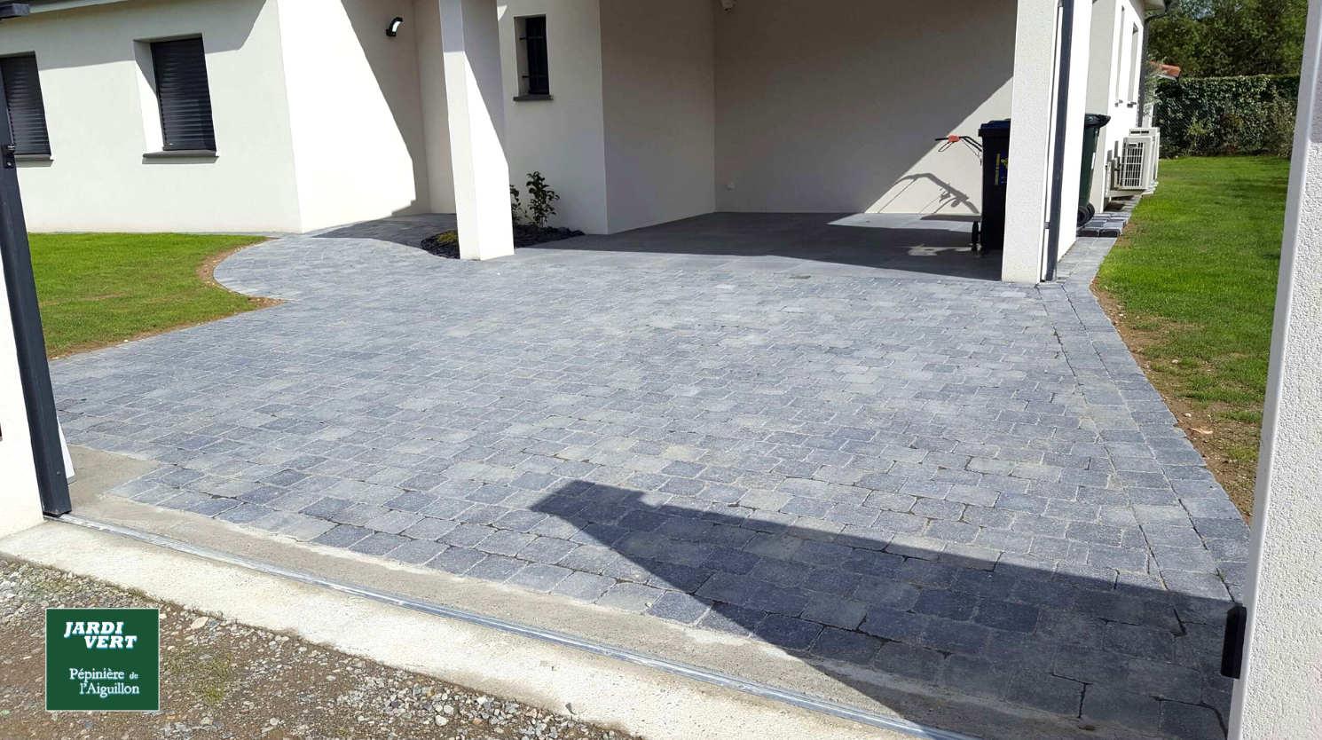 Construction d'une allée de garage en pavé béton autobloquant au Lherm