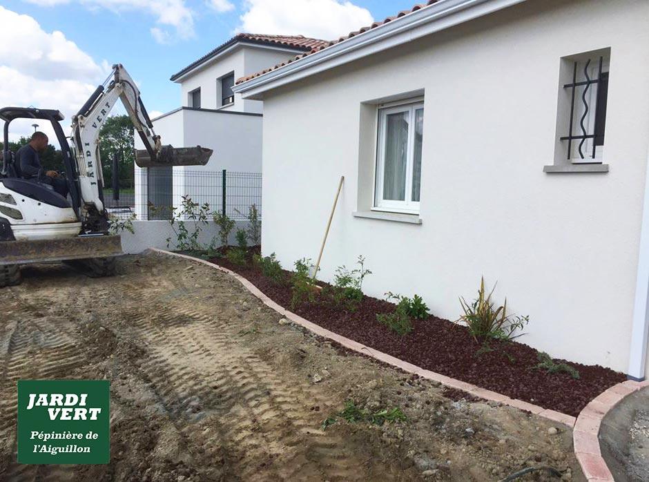 Construction de massifs paysagers avec plantation de végétaux à Lamasquère - Jardi Vert, Création de jardin de qualité