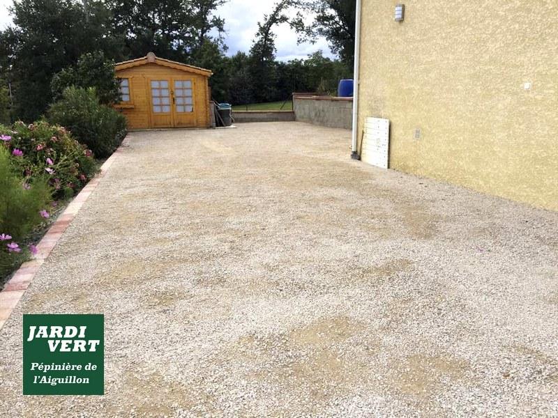 Construction d'une allée de garage en pavé vieilli béton gris à Roquettes