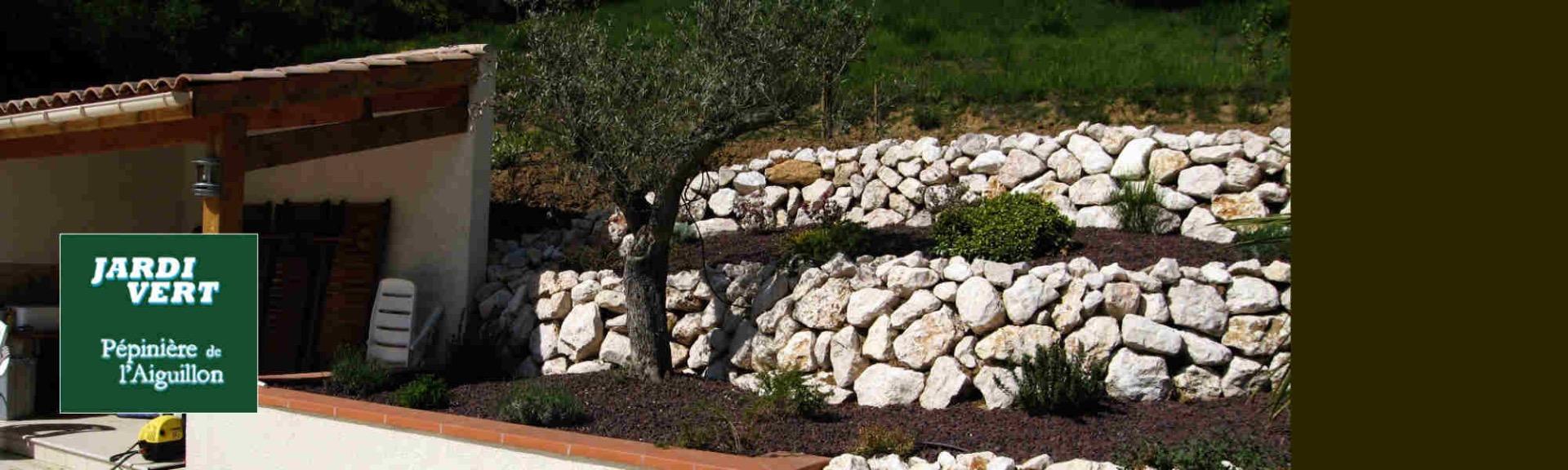 Construction de massifs et plantation d'oliviers - Jardi Vert Pépinière de l'Aiguillon